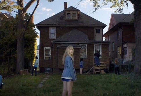 What the Hell Am I Missing Here?: 'It Follows' MovieReview